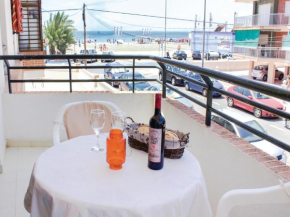 Two-Bedroom Apartment Santa Pola with Sea View 03